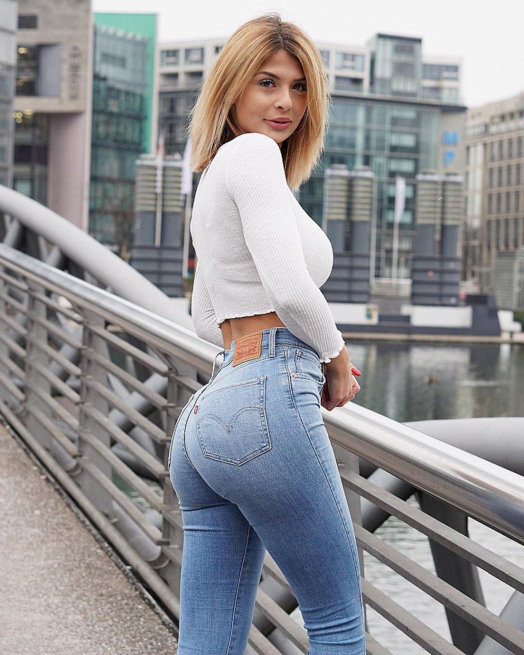 Lisa Del Piero Nude Photos 2