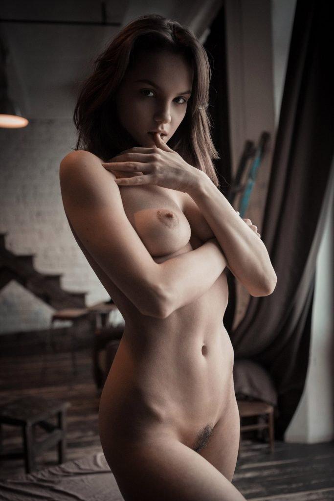 Maria Demina Nude & Sexy (16 Photos)