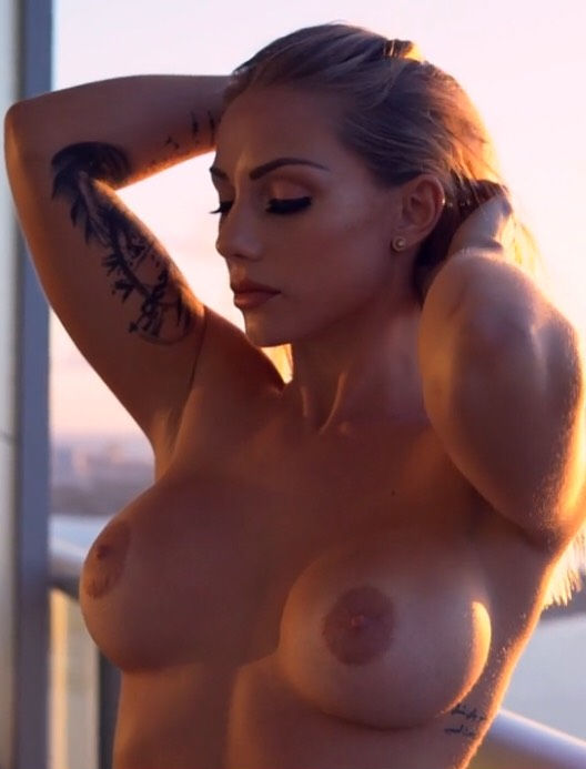 The sexiest nude females