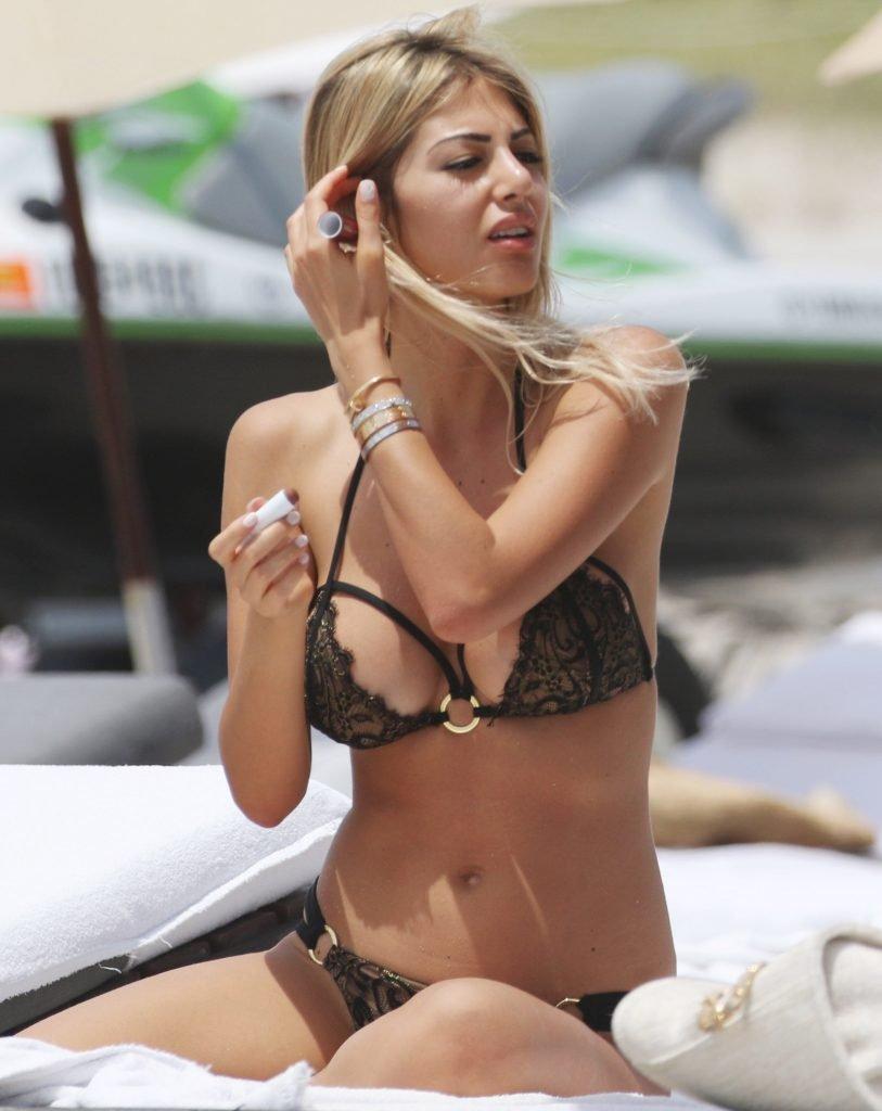 Castagnoli nackt Melissa  Melissa Castagnoli: