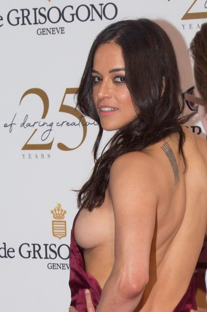 Michelle Rodriguez Braless (15 Photos)
