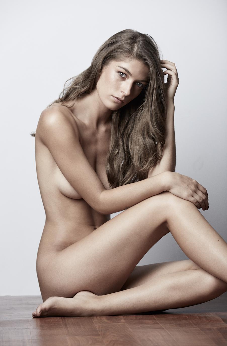 Naked Australian Nude Tasteful Gif