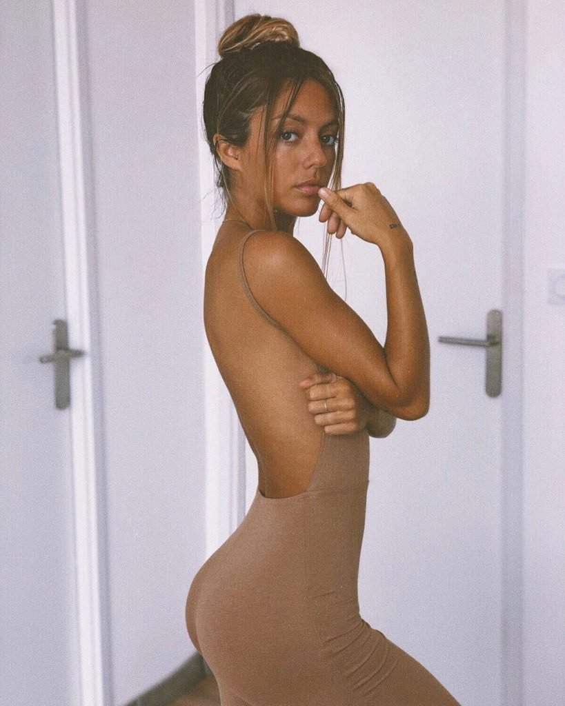 Pauline Tantot Sexy & Topless The Fappening (40 Photos)