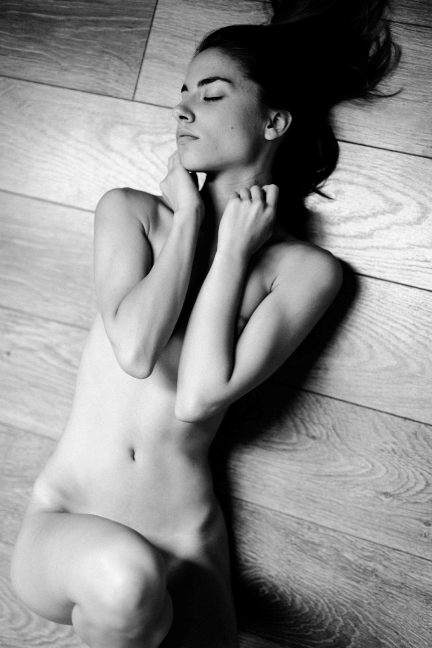 Rebecca Mir Sexy