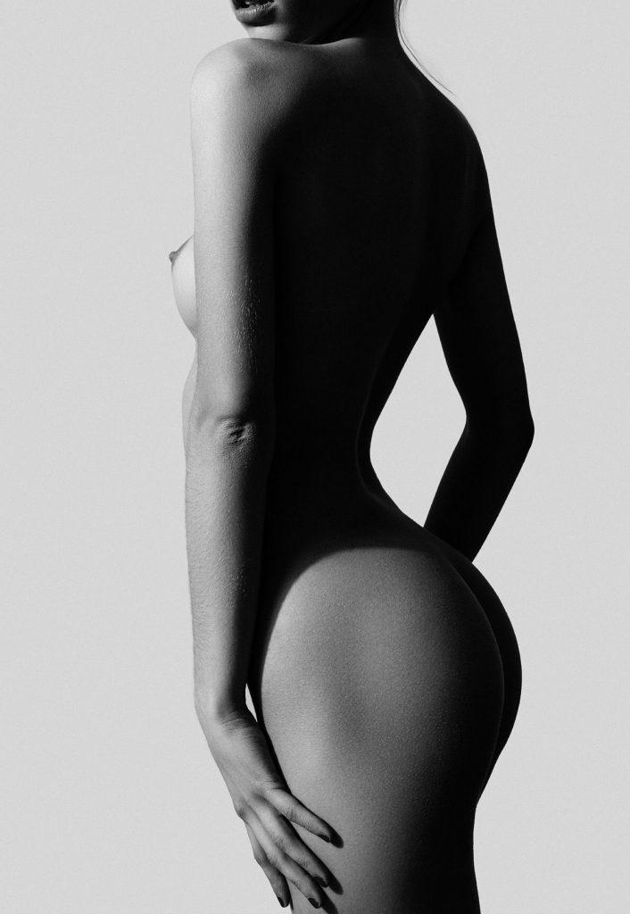 Rebecca Bagnol Naked (6 Photos)