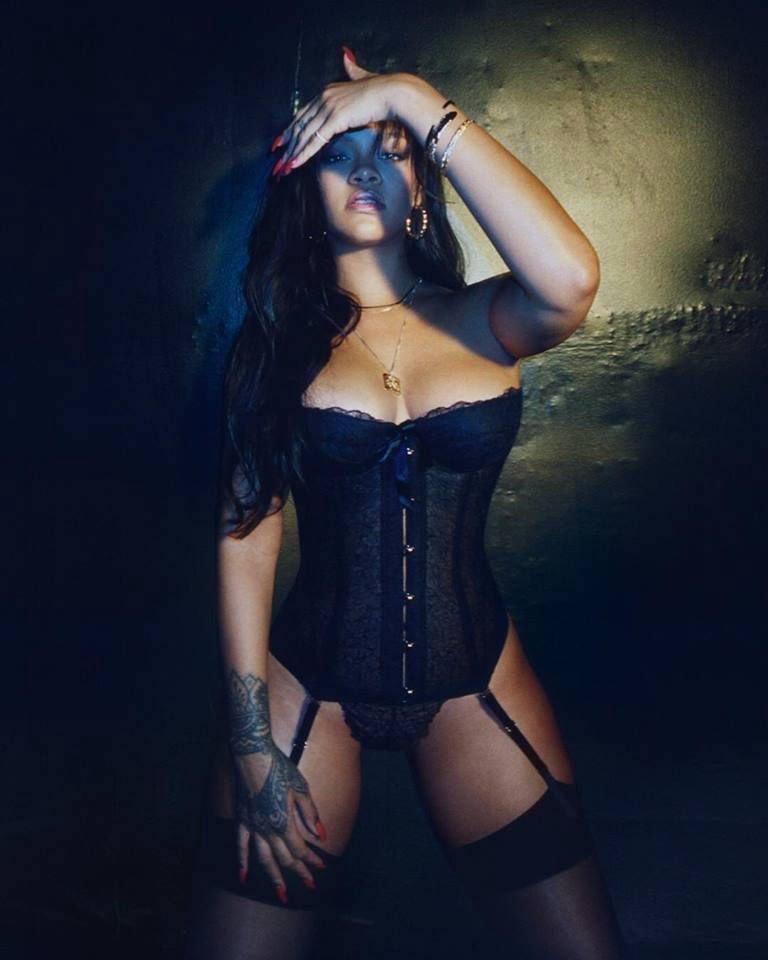 Rihanna Sexy (6 Hot Photos)