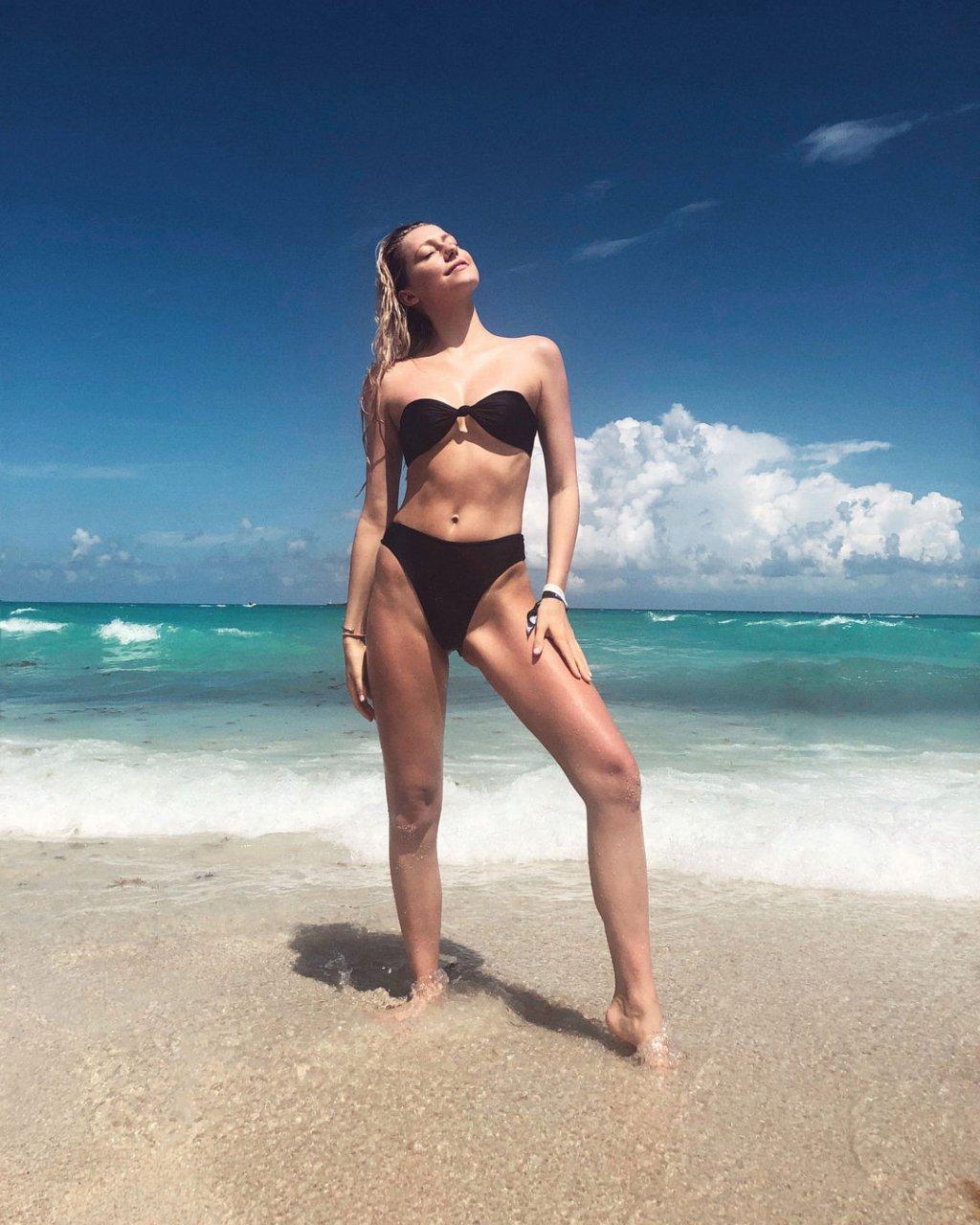 Nackt  Shannon Barker Shanna Moakler: