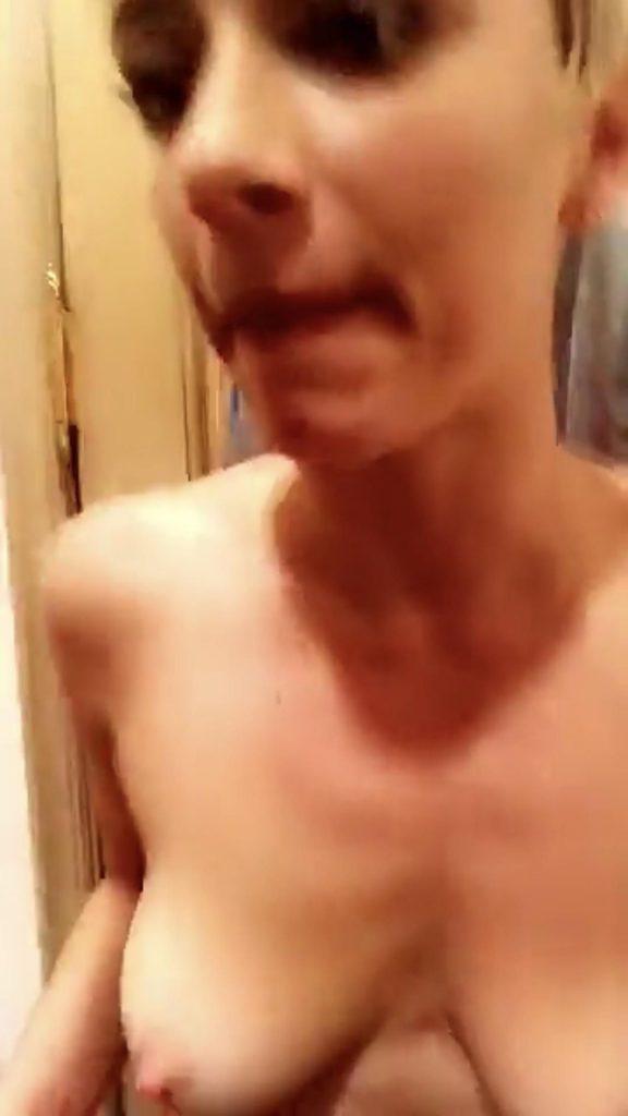 YesJulz Nude (27 Pics + GIFs & Video)