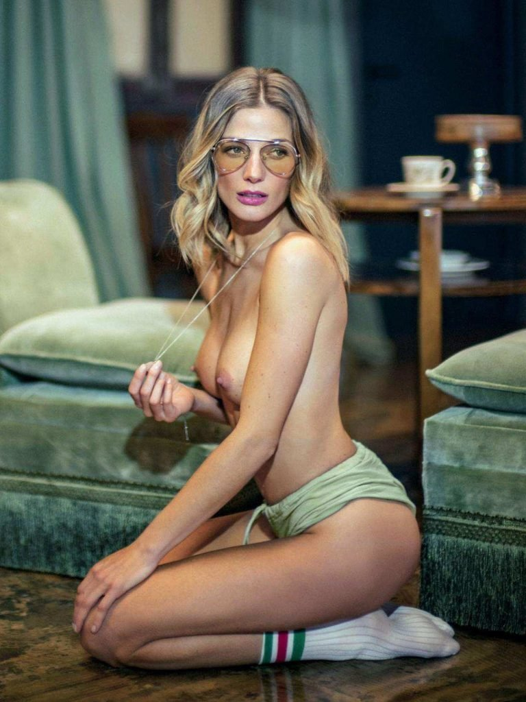 ana isabelle nude