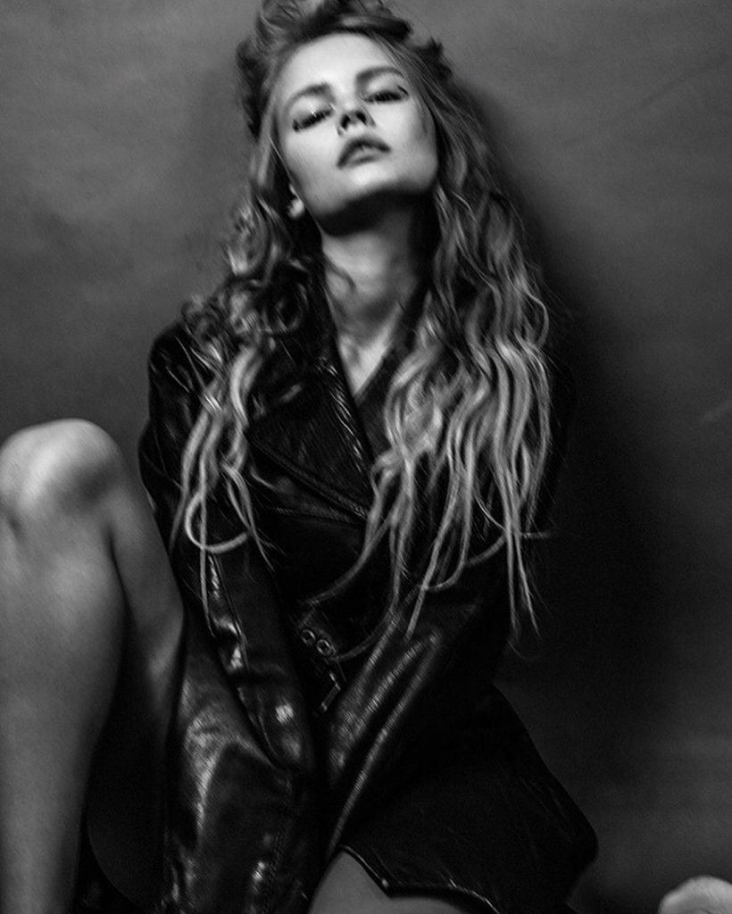 Anastasiya Scheglova Nude & Sexy (8 Photos)