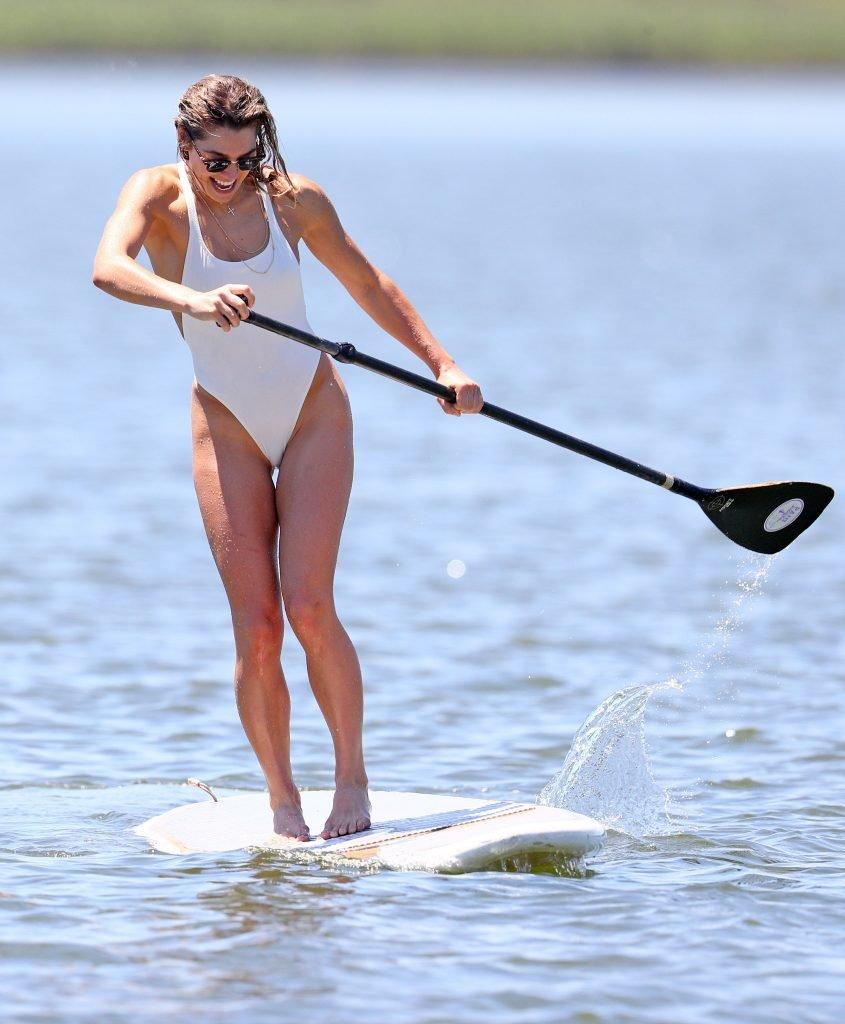 Ashley Hart Sexy (42 Photos)