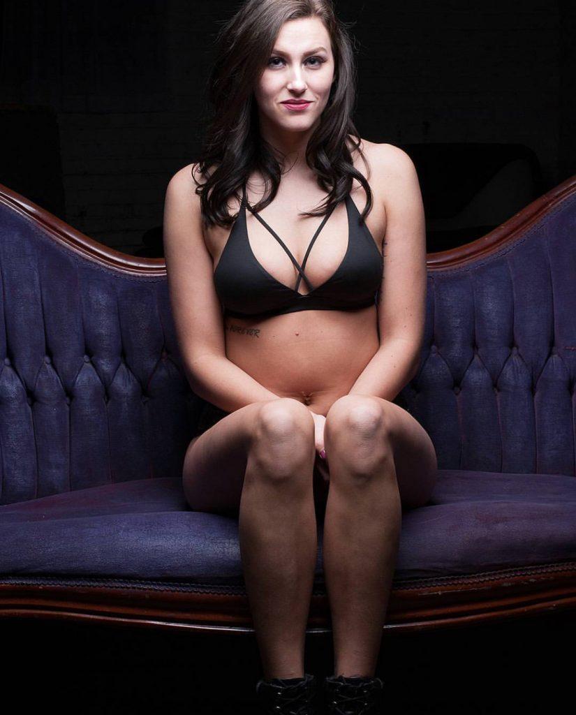 Ashtyn Joslyn Nude & Sexy (40 Photos)