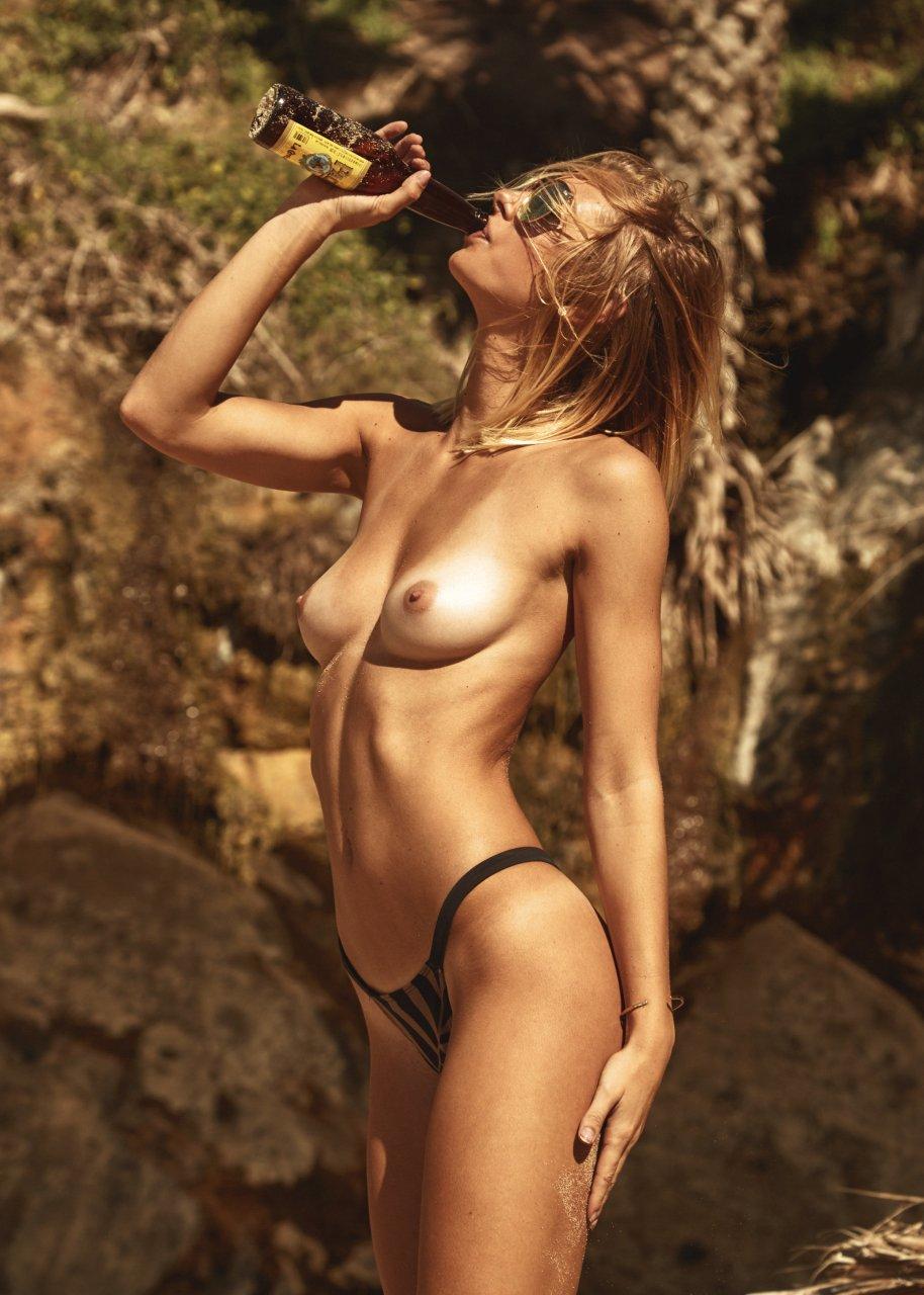 Emily ratajkowski sexy topless 9 photos picture