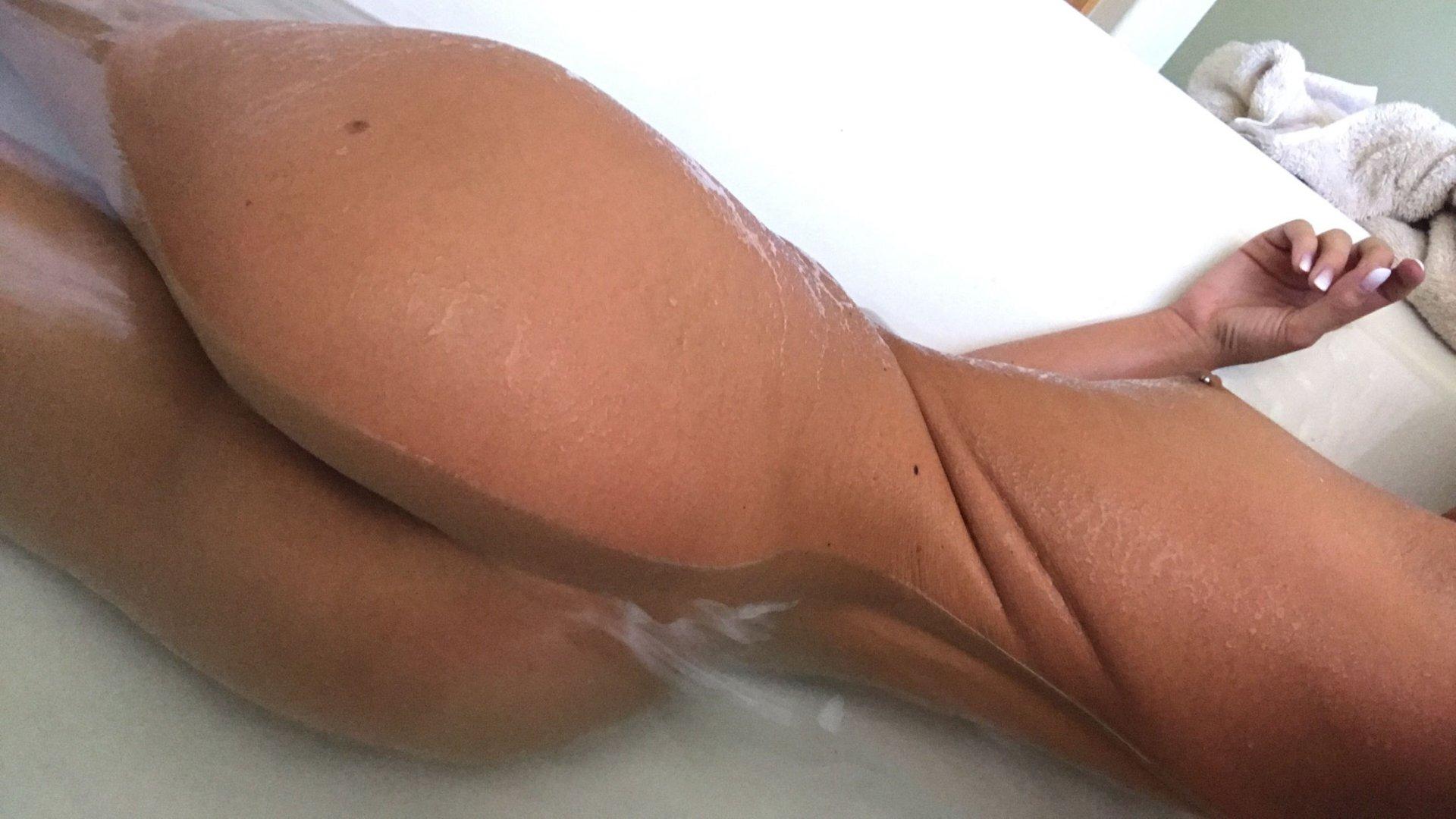 Cameron-Canela-Naked-TheFappeningBlog.com-26.jpg