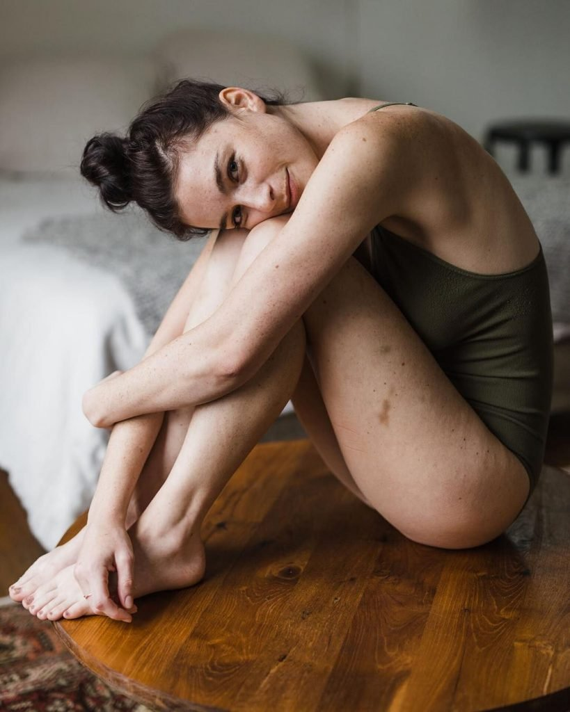 Chloe Howcroft Nude & Sexy (34 Photos)