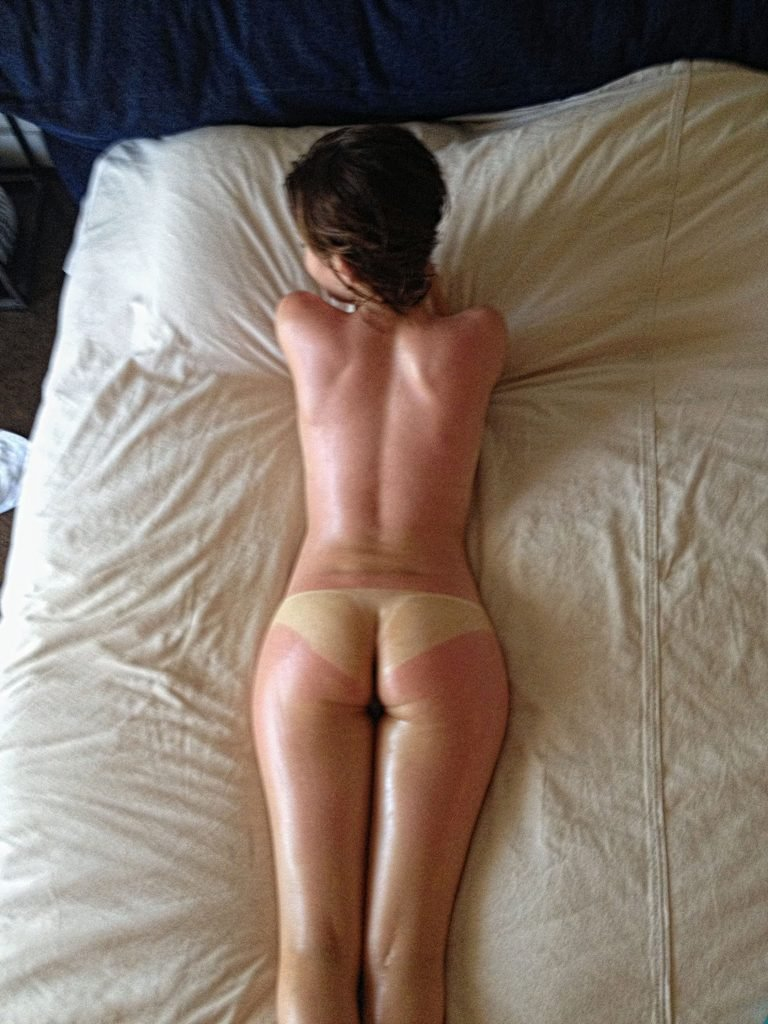 Emily Browning Nude Leaked Fappening (20 Photos)