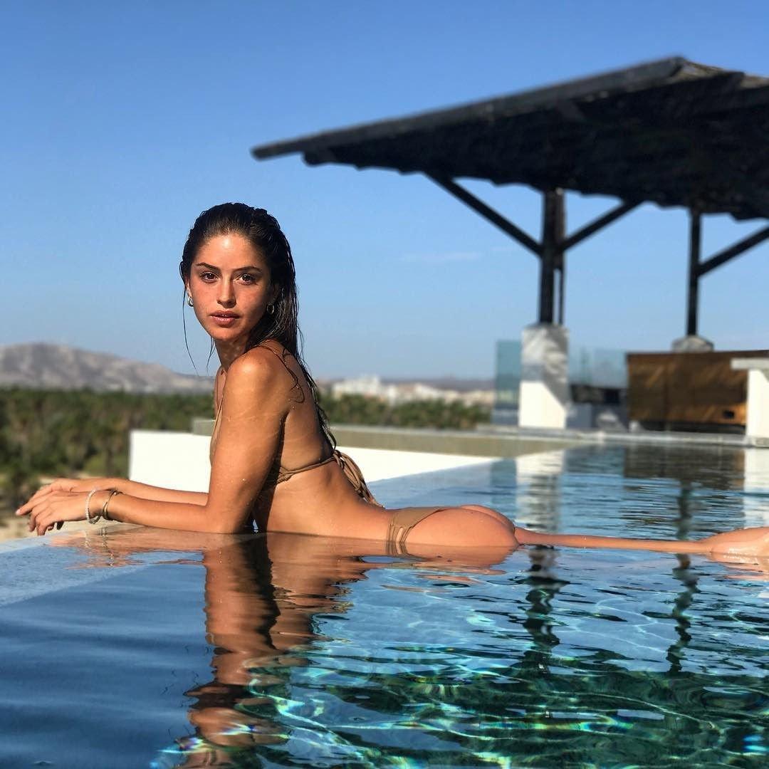 Watch Gigi Paris Topless Fappening - 7 Photos video