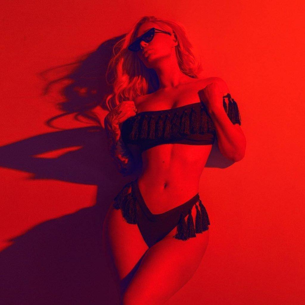 Iggy Azalea See Through & Sexy (4 Pics)