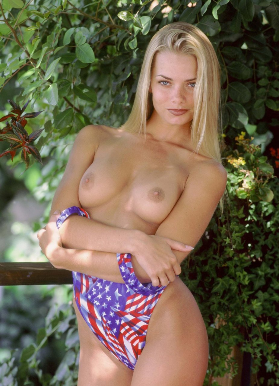 jaime pressly hot naked