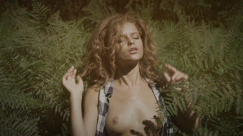 Julia Yaroshenko Sexy & Topless (27 Pics + Video)