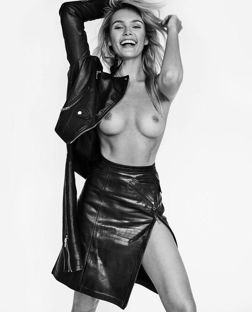 Lada Kravchenko Topless (1 Photo)