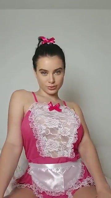 Lana Rhoades Naked – Maid Snapchat Show (5 Pics + Video)