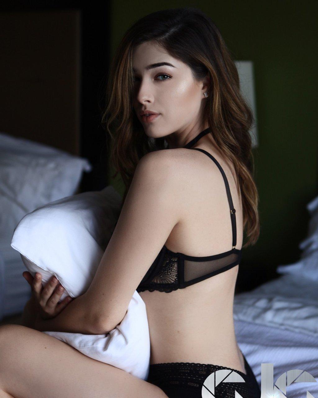 April desnuda porn star summer