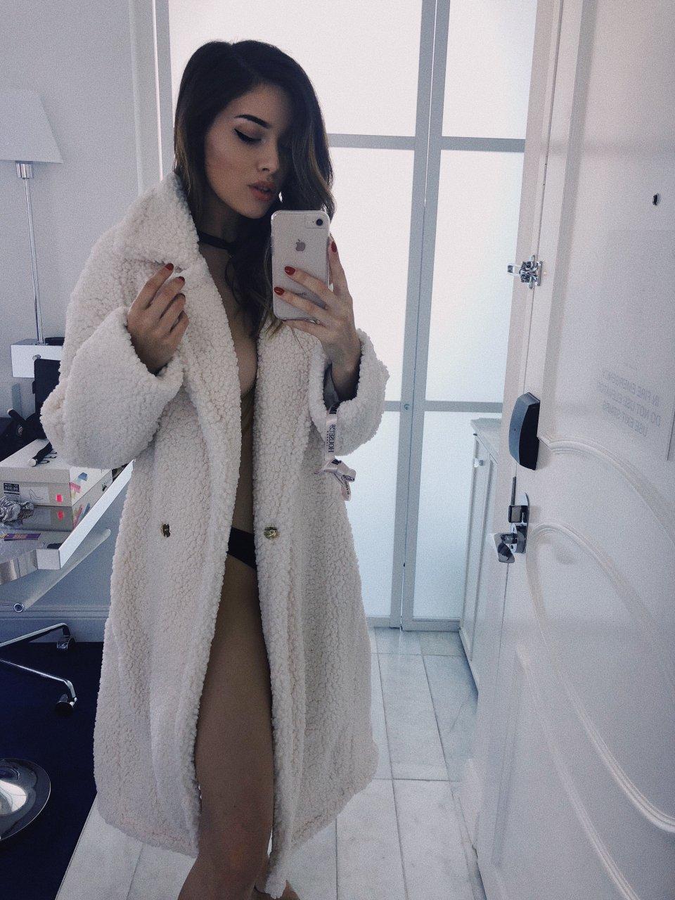 Sexy photos of annabella thorne