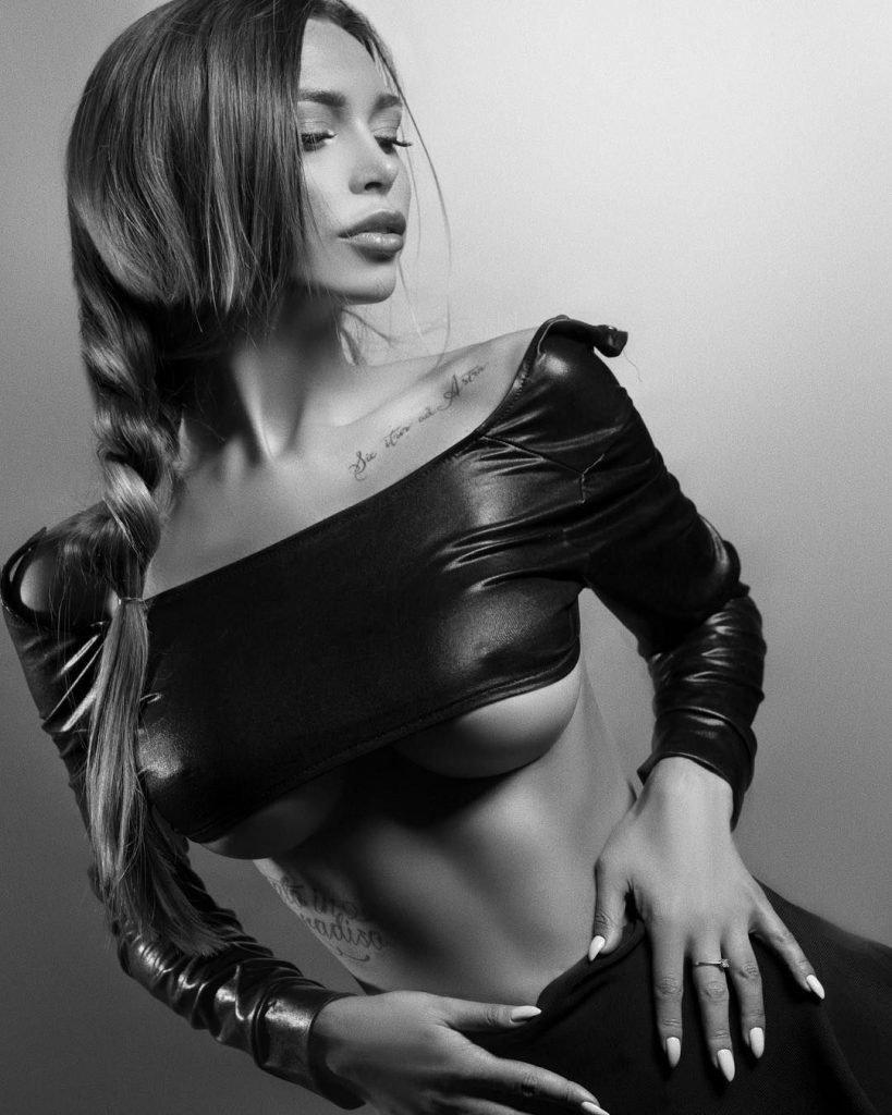 Lily Ermak Nude & Sexy (91 Photos + Videos)