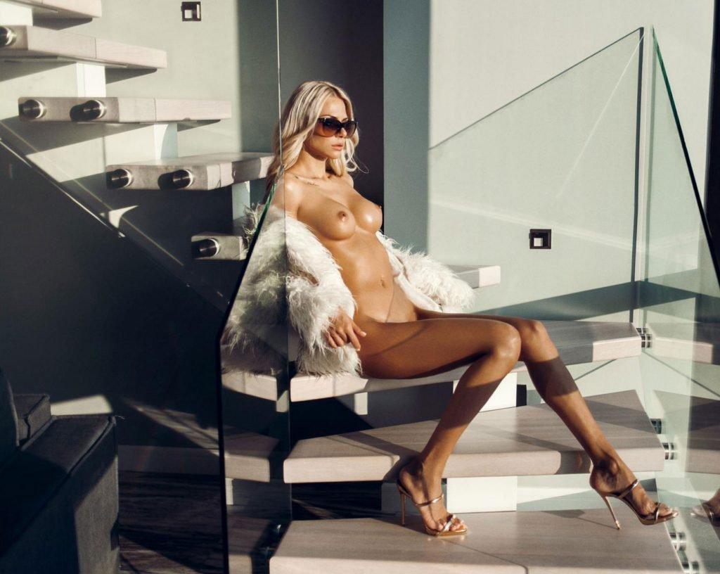 Liza Svistunova Nude (17 Photos)