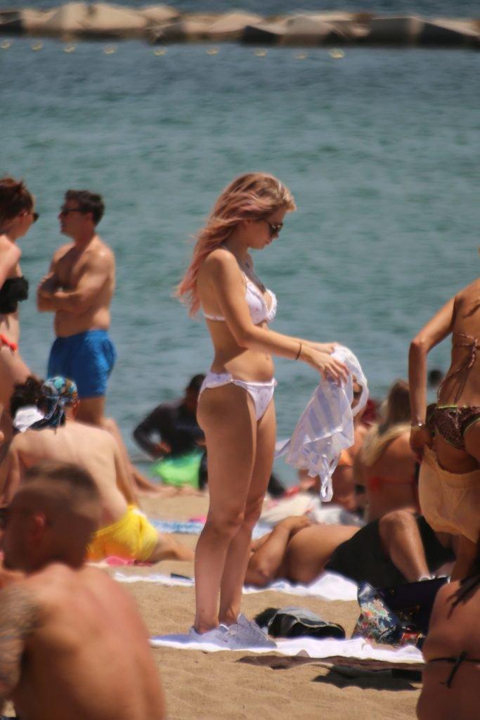 Lottie Moss Sexy & Topless (30 Photos + GIF)