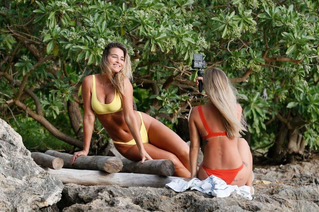Madi Edwards & Ameila Jane Sexy (34 Photos)
