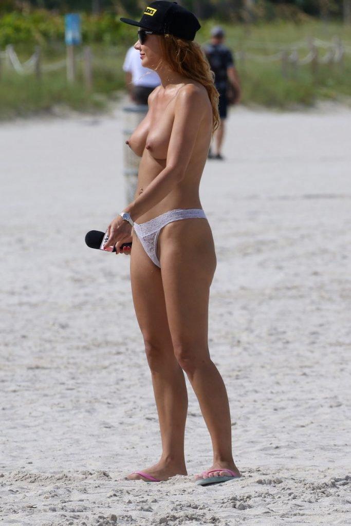 Marina Valmont Topless (20 Photos)