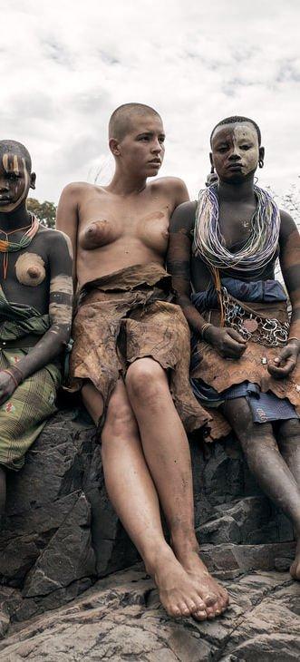 Marisa Papen Naked (19 Hot Photos)