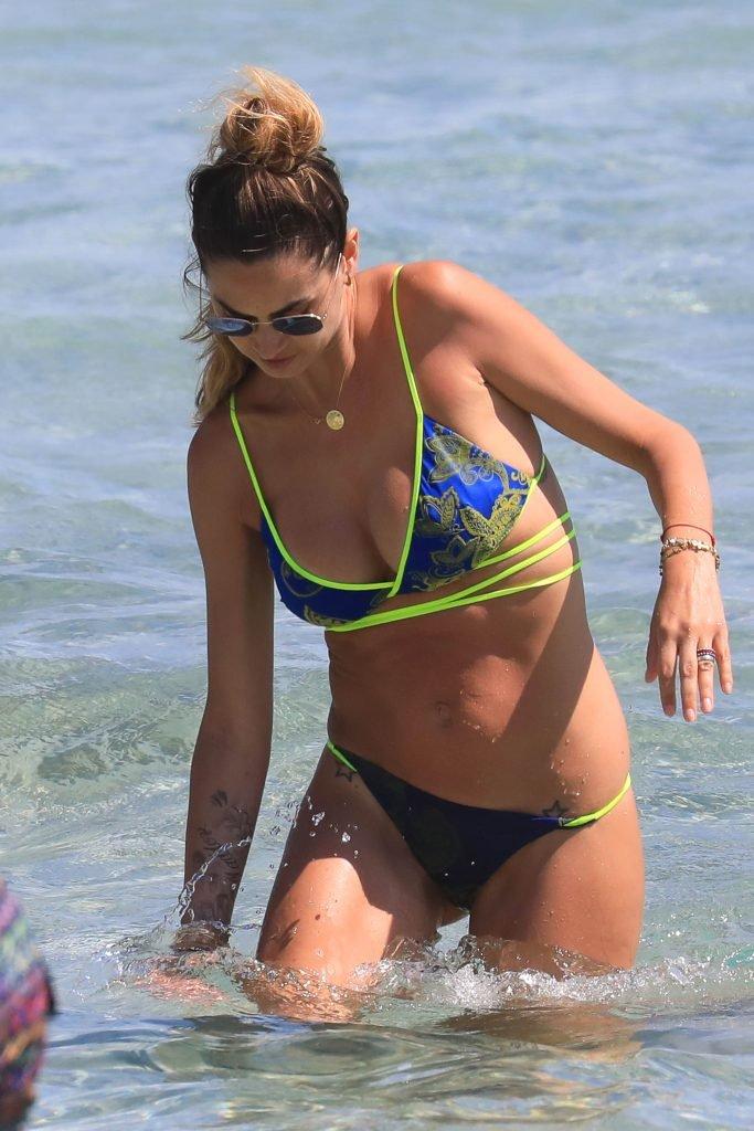Melissa Satta Sexy (10 Photos)