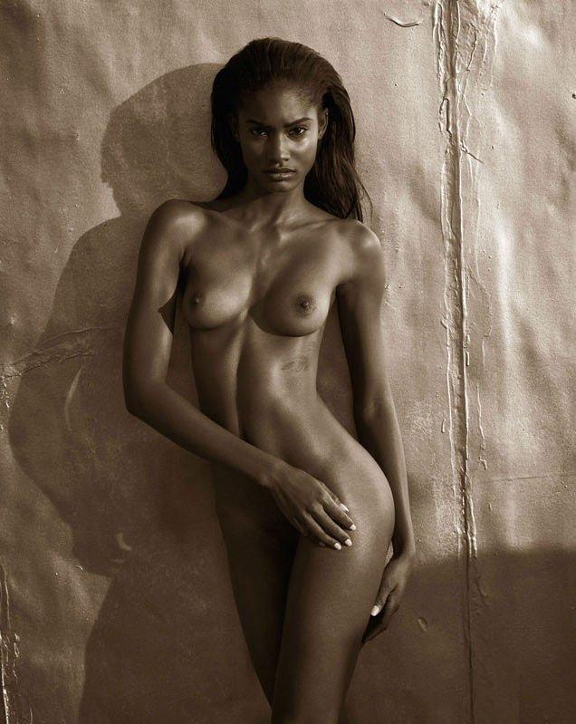 Melodie Monrose Nude & Sexy (100 Photos)
