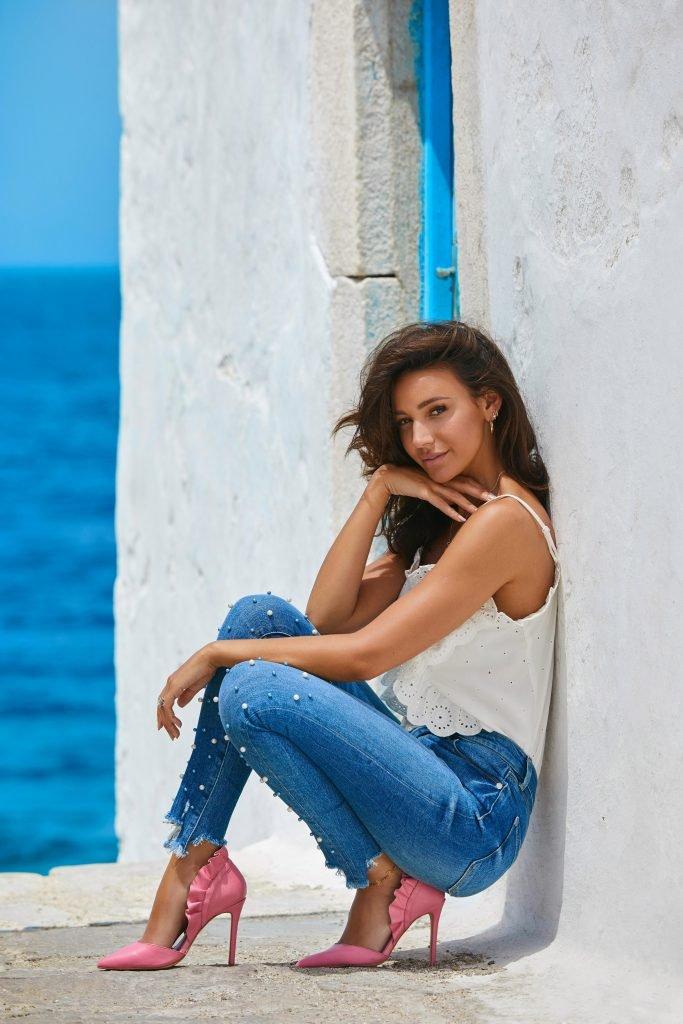 Michelle Keegan Sexy (9 Photos)