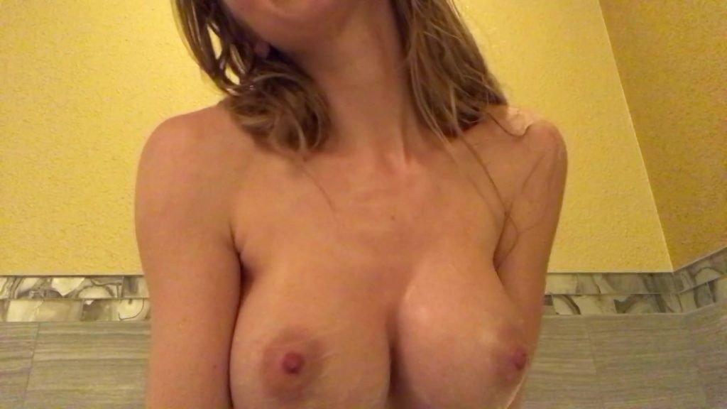 Nadya Nabakova Naked (5 Pics + Video)