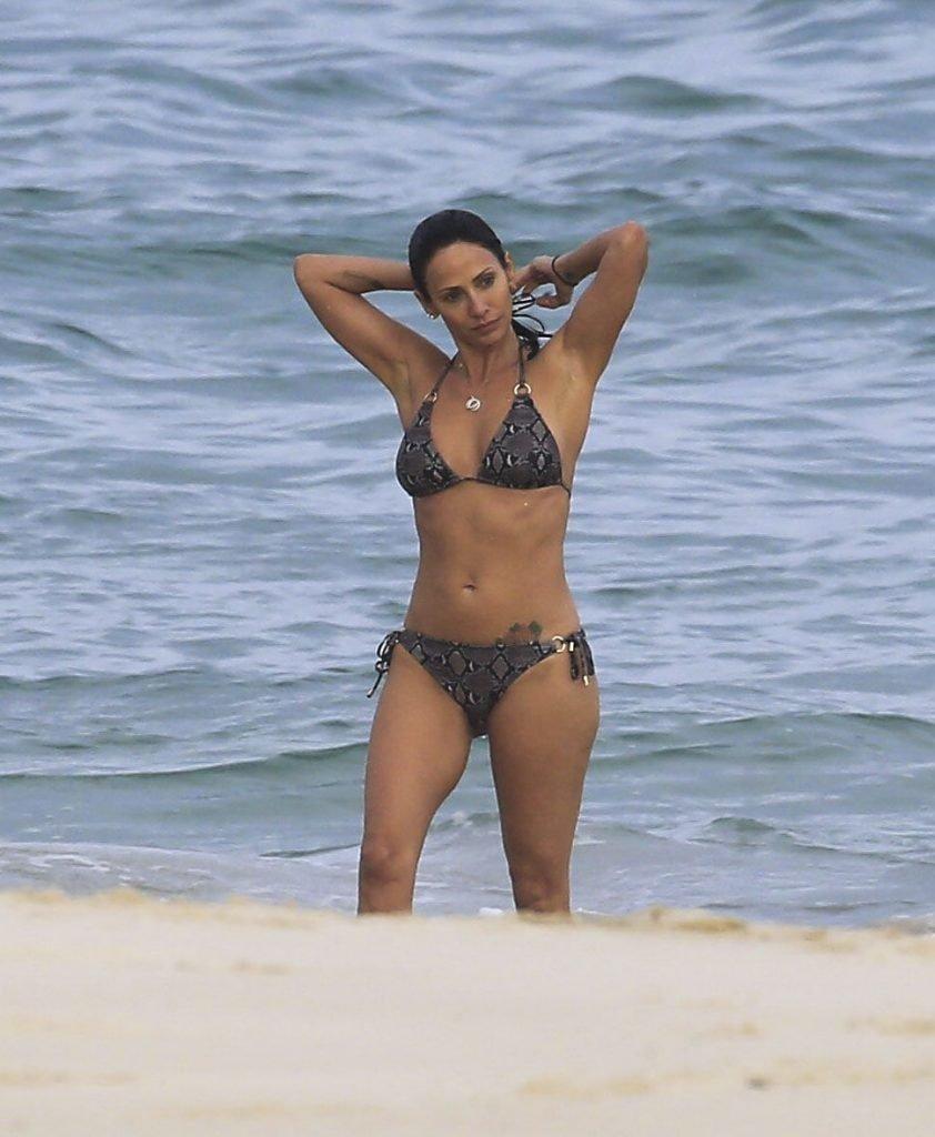 Natalie Imbruglia Sexy (33 Photos)