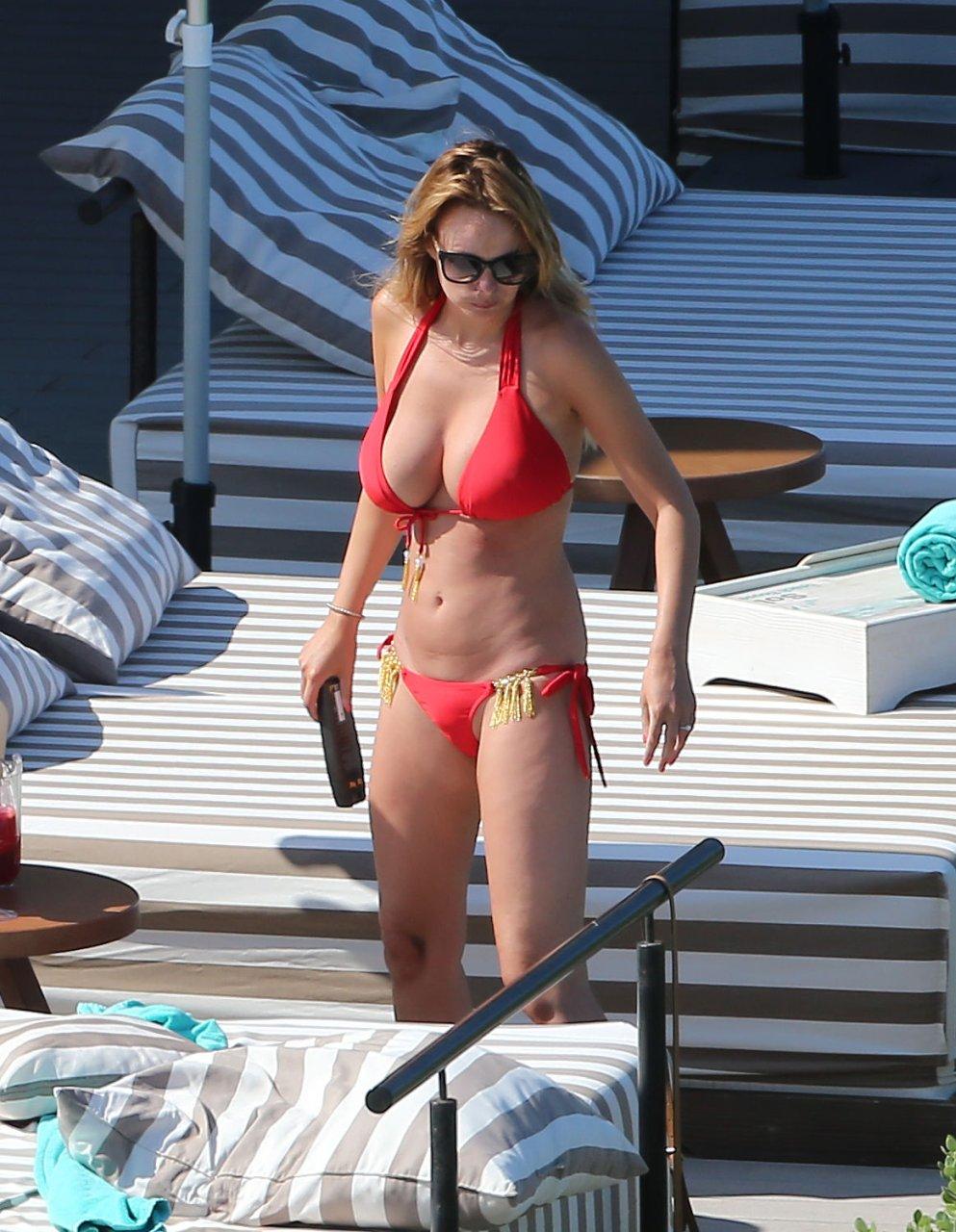 Rhian-Sugden-Sexy-Topless-TheFappeningBlog.com-39.jpg
