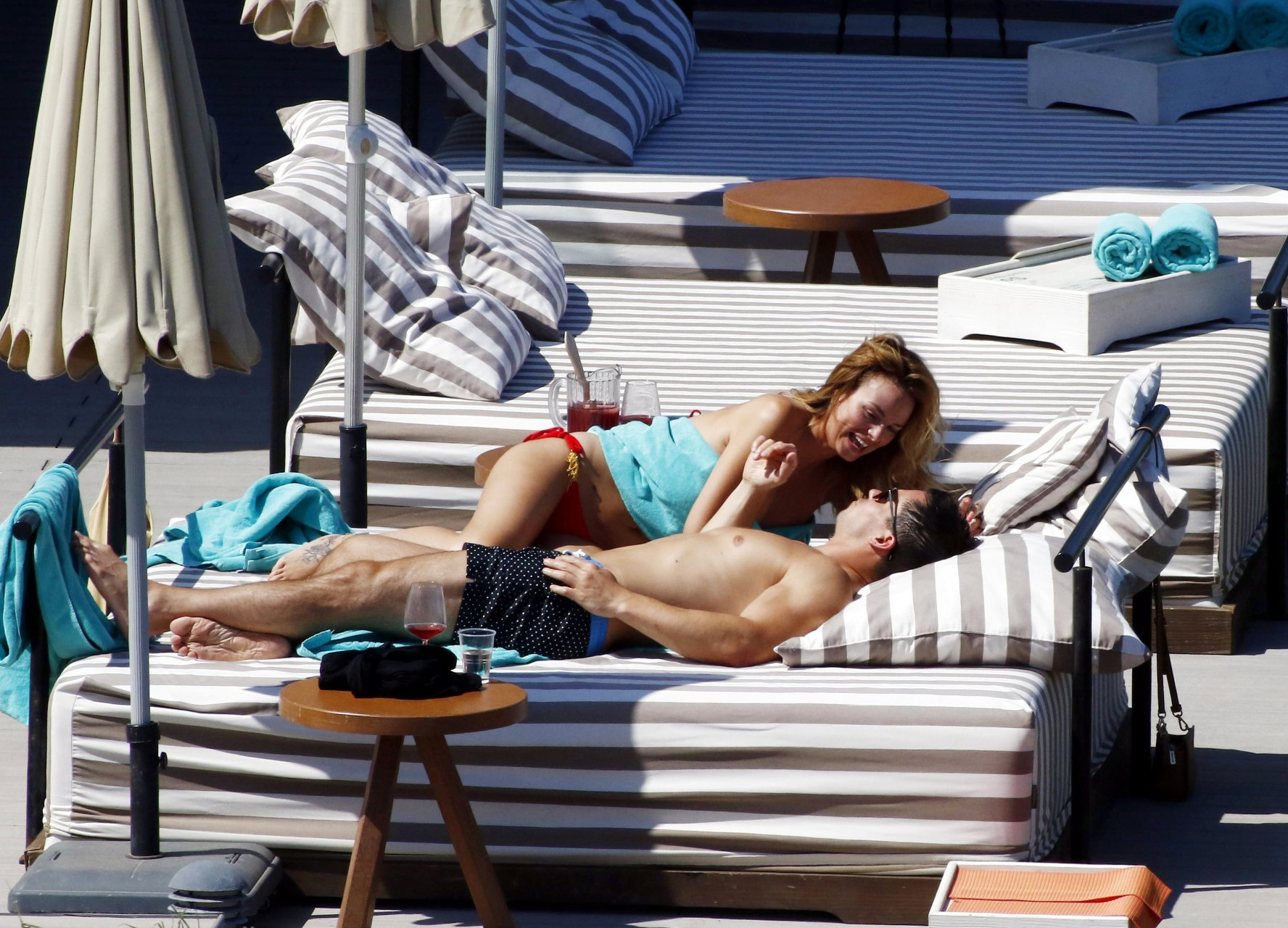 Rhian-Sugden-Sexy-Topless-TheFappeningBlog.com-49.jpg