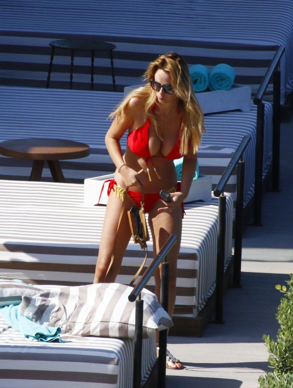 Rhian-Sugden-Sexy-Topless-TheFappeningBlog.com-57.jpg