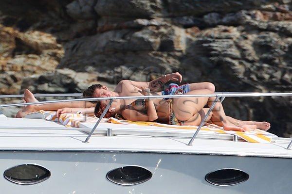Rita Ora Topless (67 New Photos)