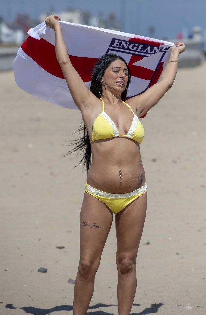 Simone Reed Hot & Topless (42 Photos)