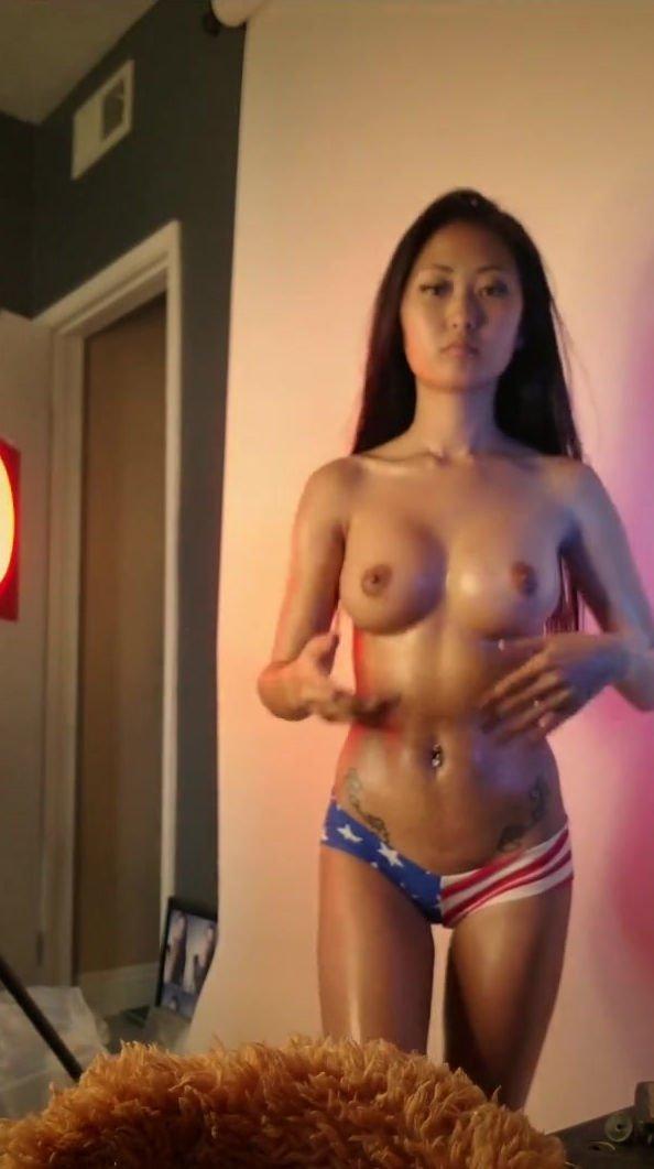 Kim  nackt Sukie Sukie Kim