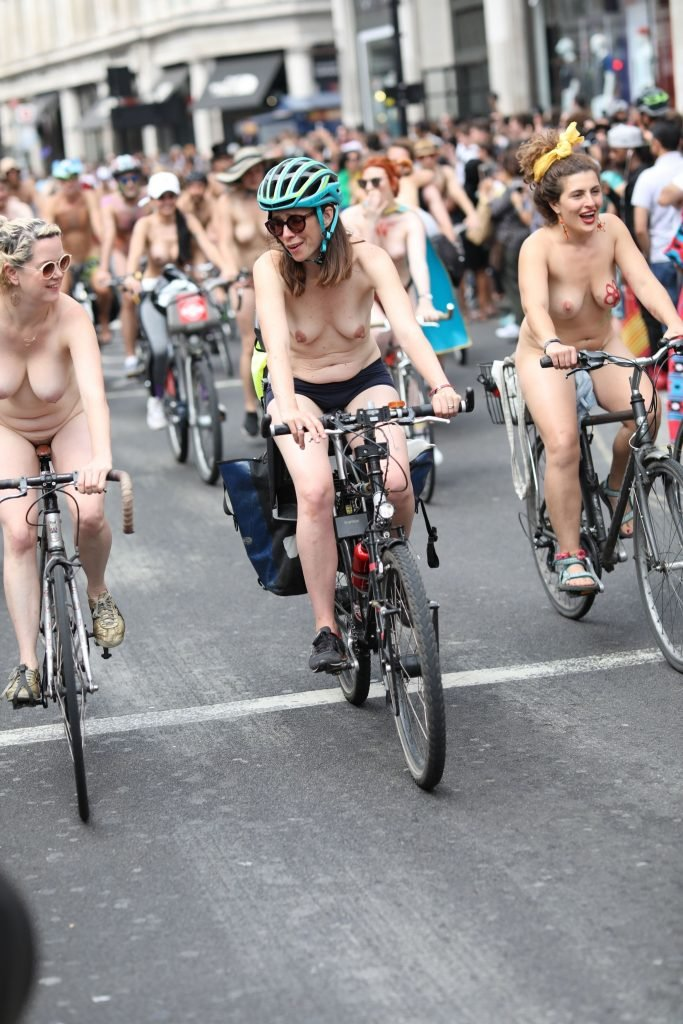 Clip naked bike ride