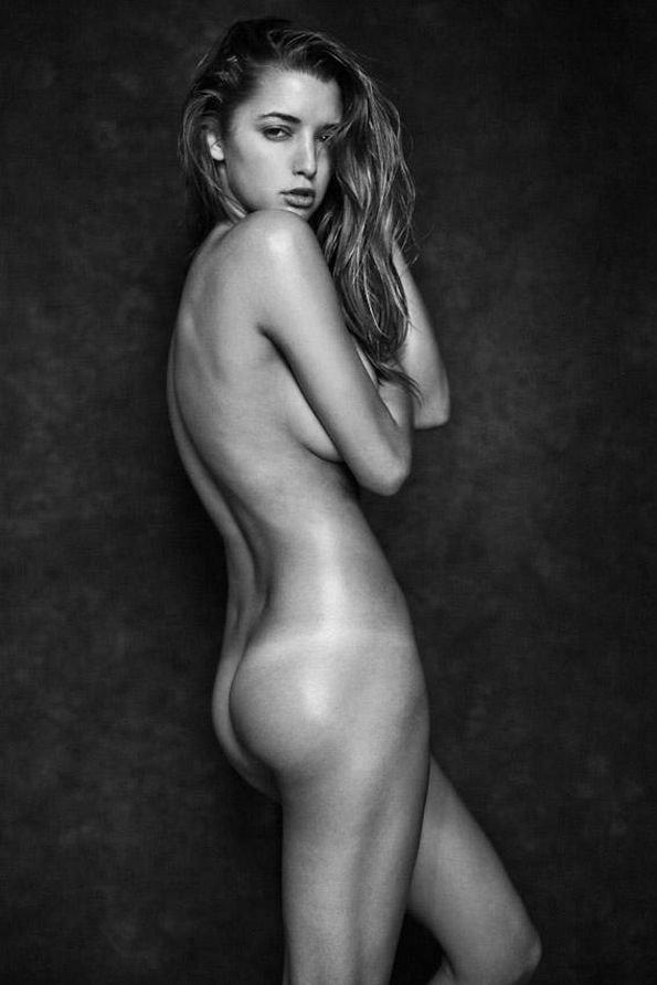 Vanessa Hessler Fully Nude