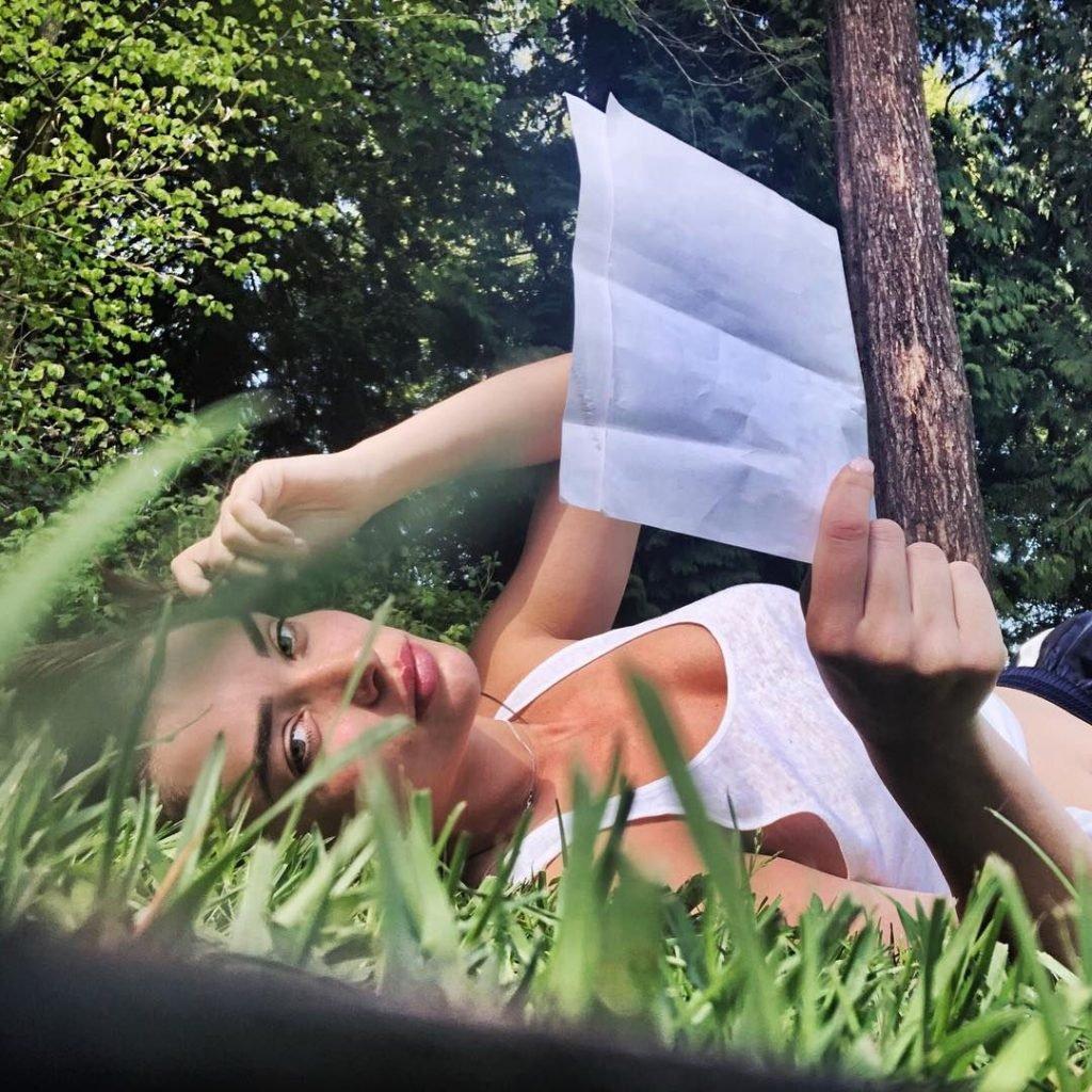 Amy Jackson Nude & Sexy (73 Photos)