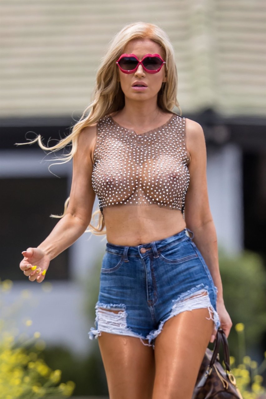 Ana-Braga-See-Through-TheFappeningBlog.com-1.jpg