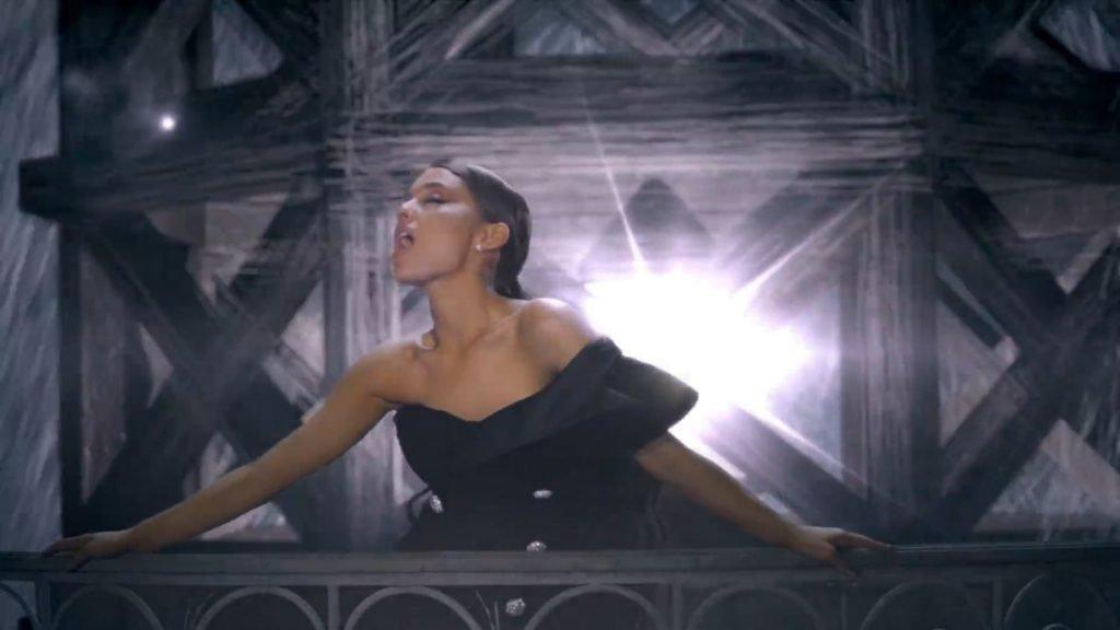 Ariana Grande Nude & Sexy (67 Pics + GIFs & Video)